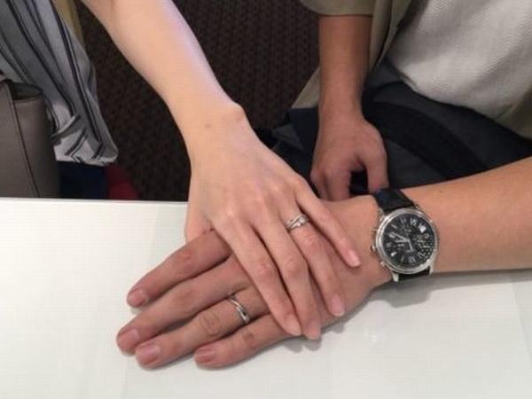 貝塚市 サプライズ後のデザイン選び マリアージュエントの結婚指輪