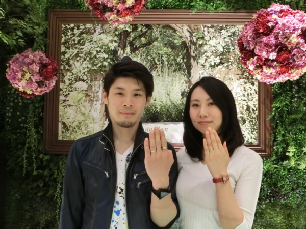 兵庫県尼崎市 VIVAGE(ヴィヴァージュ)の婚約指輪とFISCHER(フィッシャー)の結婚指輪