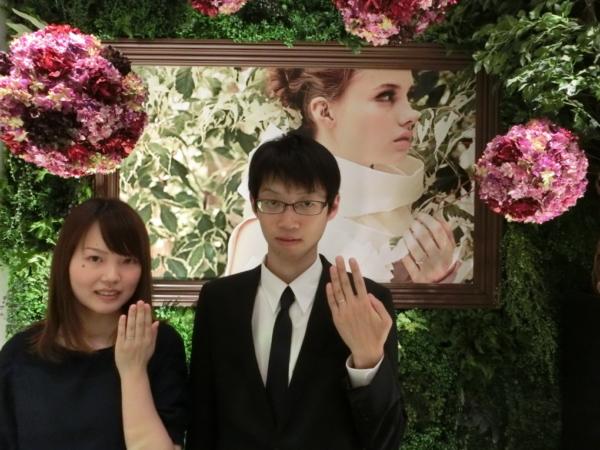 大阪府河内長野市 AMOUR AMULETの婚約指輪とCHER LUVの結婚指輪