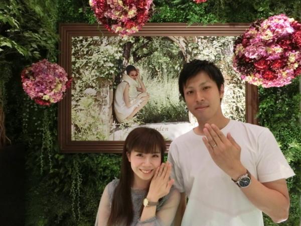 AMOUR AMULETの婚約指輪とFISCHERの結婚指輪 大阪市浪速区