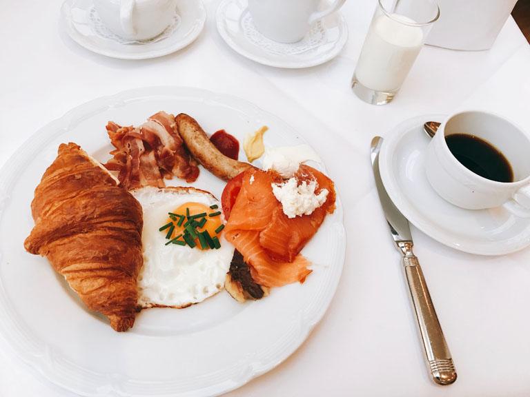 贅沢な朝ごはん