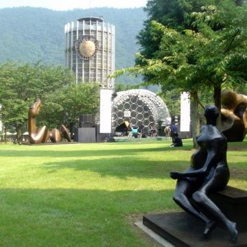 大阪のサプライズプロポーズ 箱根彫刻の森美術館