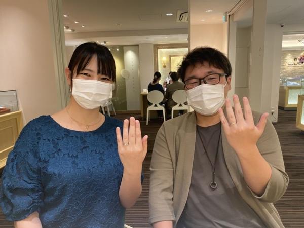 兵庫県西脇市「IDEAL pulufort」の婚約指輪と「PilotBridal」「AMOUR AMULET」の結婚指輪をご成約頂きました。