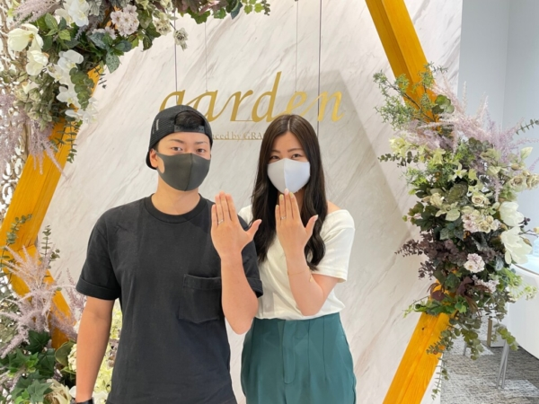 京都市左京区 シンプルなウェーヴデザインのプロミスリングにサプライズで婚約指輪をご成約いただきました