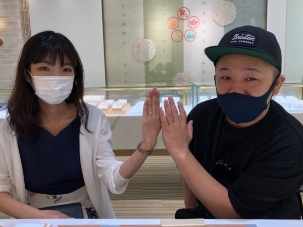 兵庫県加西市 Stel Giurareの婚約指輪と結婚指輪をご成約頂きました