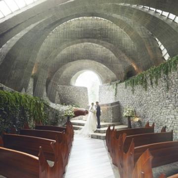 大阪のサプライズプロポーズ 石の教会 内村鑑三記念堂