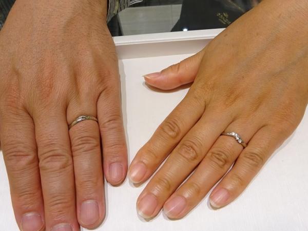 貝塚市 婚約指輪・結婚指輪セットでご成約のお客様です。