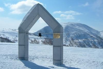 朝里岳山頂「ニイサの鐘」