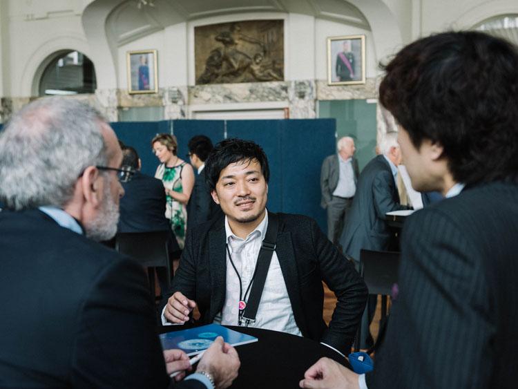 ベルギー日本大使含め総勢50人ほど集まる大規模な会