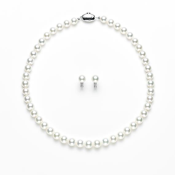 真珠のネックレスはgarden梅田
